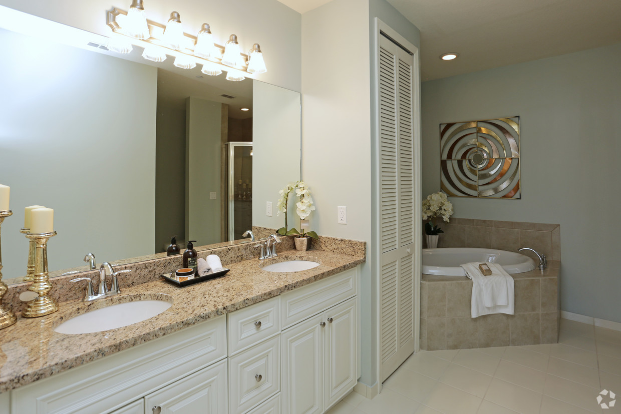 Broadmoor Master Bathroom